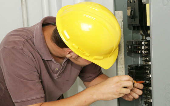 Conviértete en un experto Electricista de Edificos y Viviendas